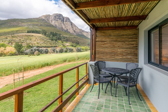 Wine Farm accommodation Stellenbosch Mont Angelis Suurberg