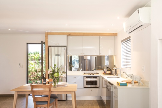 Luxury self-catering unit Stellenbosch, with a fully equipped kitchen