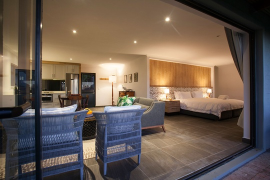 wine farm accommodation stellenbosch self-catering mont angelis